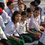 schoolchildren at the Shwedagon Pagoda | Photo taken by William W