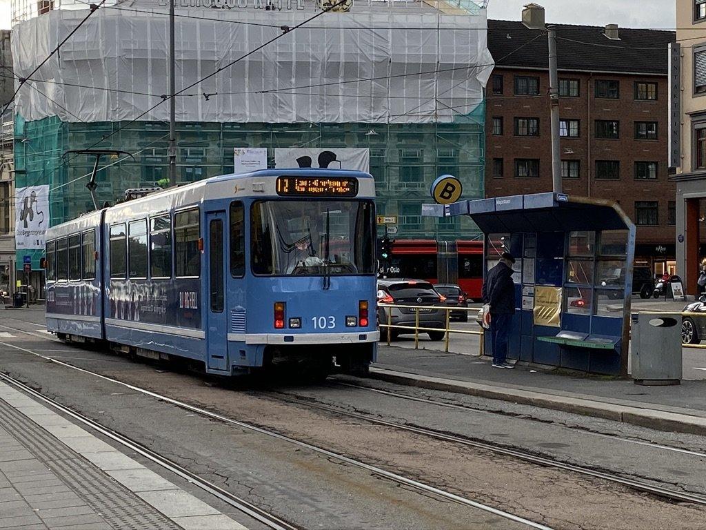 Oslo Tram - Excellent public Transportation | Photo taken by Robin W