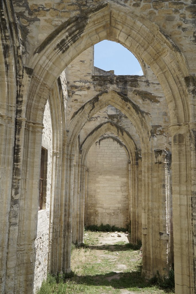 Arches in Avignon | Photo taken by Richard L