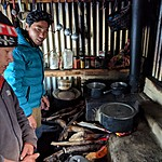 Cooking at Pikey peak base camp teahouse | Photo taken by Romain K