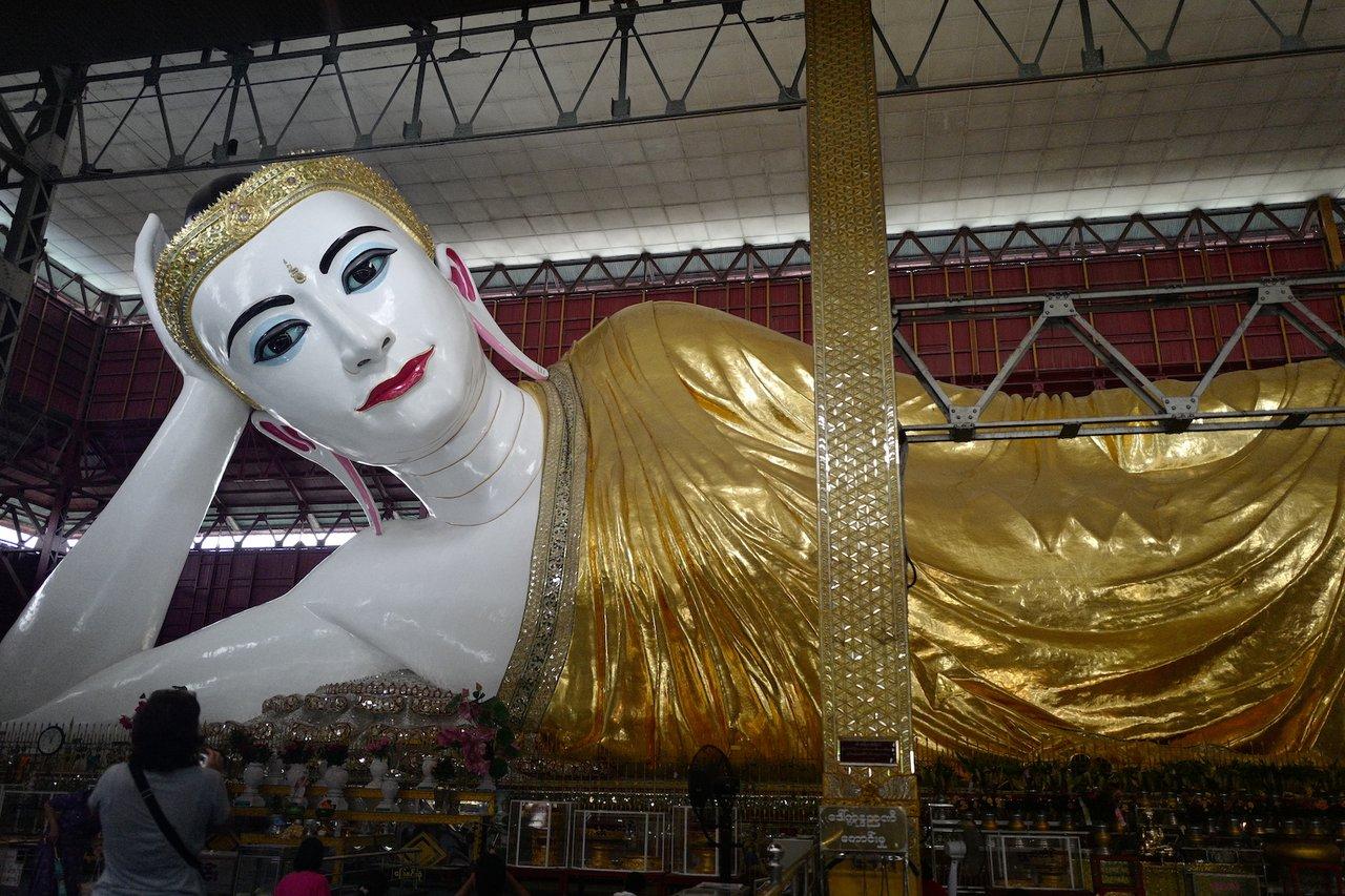 Reclining Buddha at Chauk Htet Gyi Pagoda | Photo taken by Su-Lin T