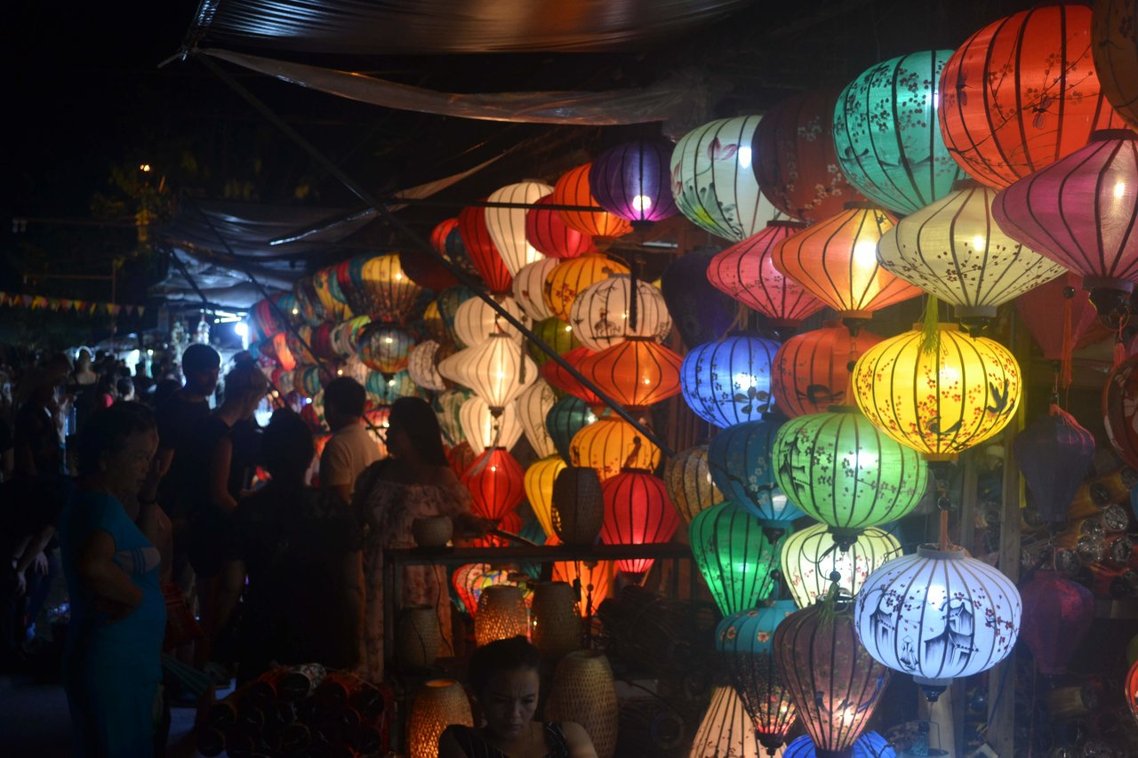 Lovely Lanterns | Photo taken by Seng Aung S