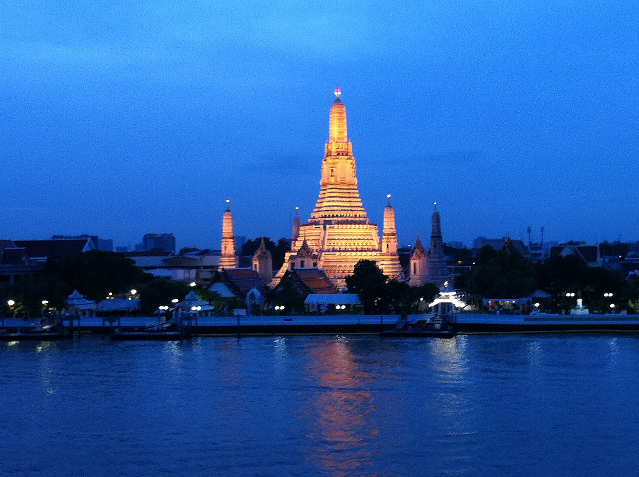 Bangkok. The view from our hotel window. Wat Arun. | Photo taken by Rodney S