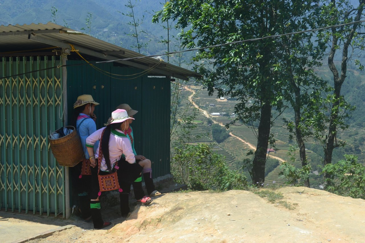 Sapa Girls  | Photo taken by Seng Aung S
