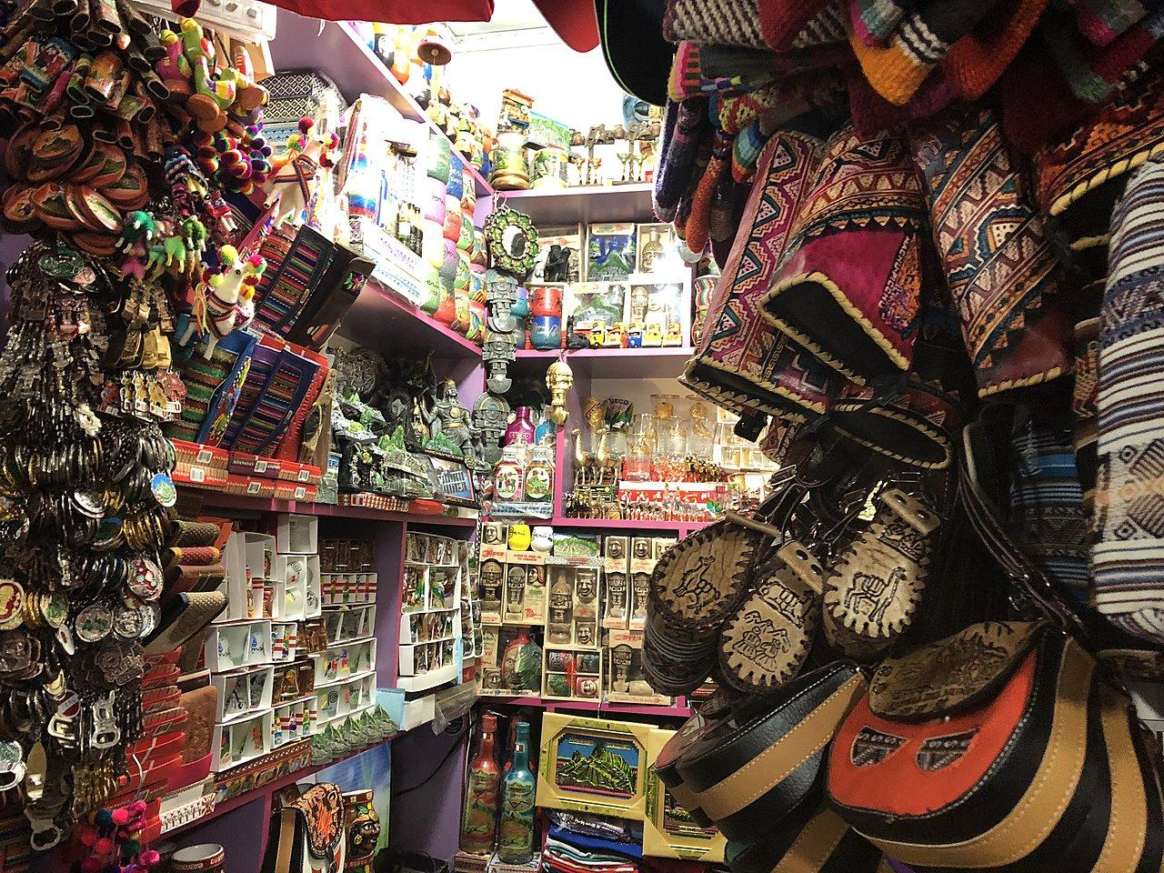 Shopping at San Pedro Market | Photo taken by Katie H