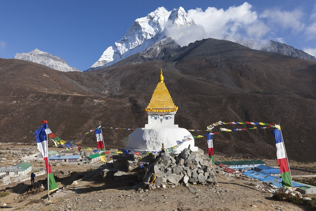 stupa-at-Dingboche | Photo taken by Lidia D