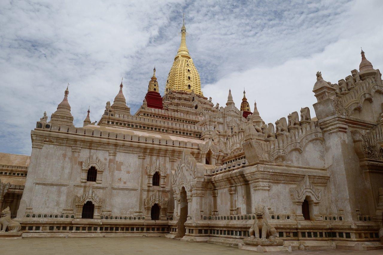 Beautiful Ananda Phaya | Photo taken by Su-Lin T