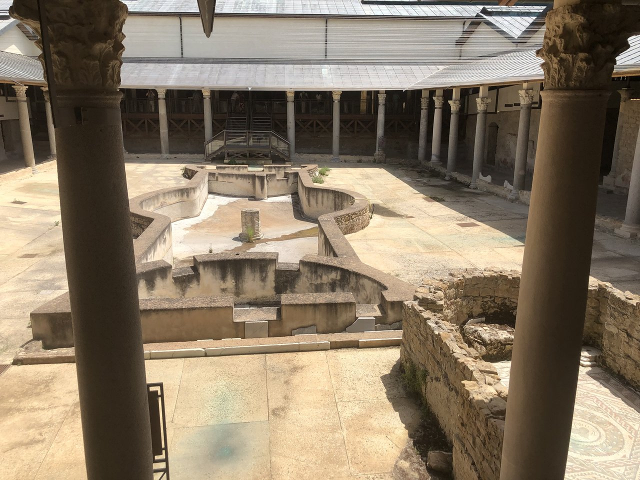 Inside the courtyard of the Casale | Photo taken by ingrid B