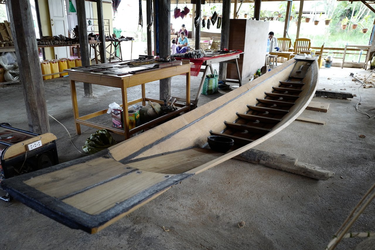 Boat making, using teak no less. | Photo taken by Su-Lin T