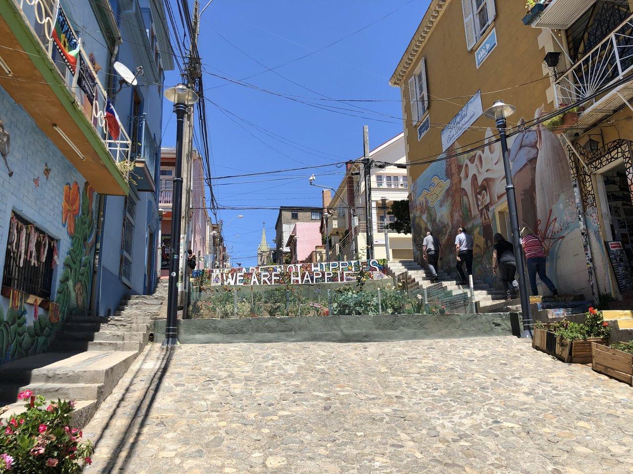 Street view of Valparaiso | Photo taken by Melody B