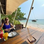 lunch on Koh Sumai at beachside restaurant | Photo taken by Heidi P