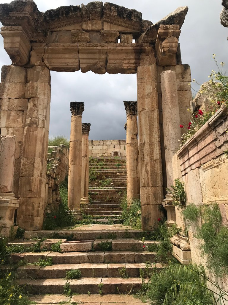 Looking up to the Temple of Artemis, Jerash | Photo taken by Linley V