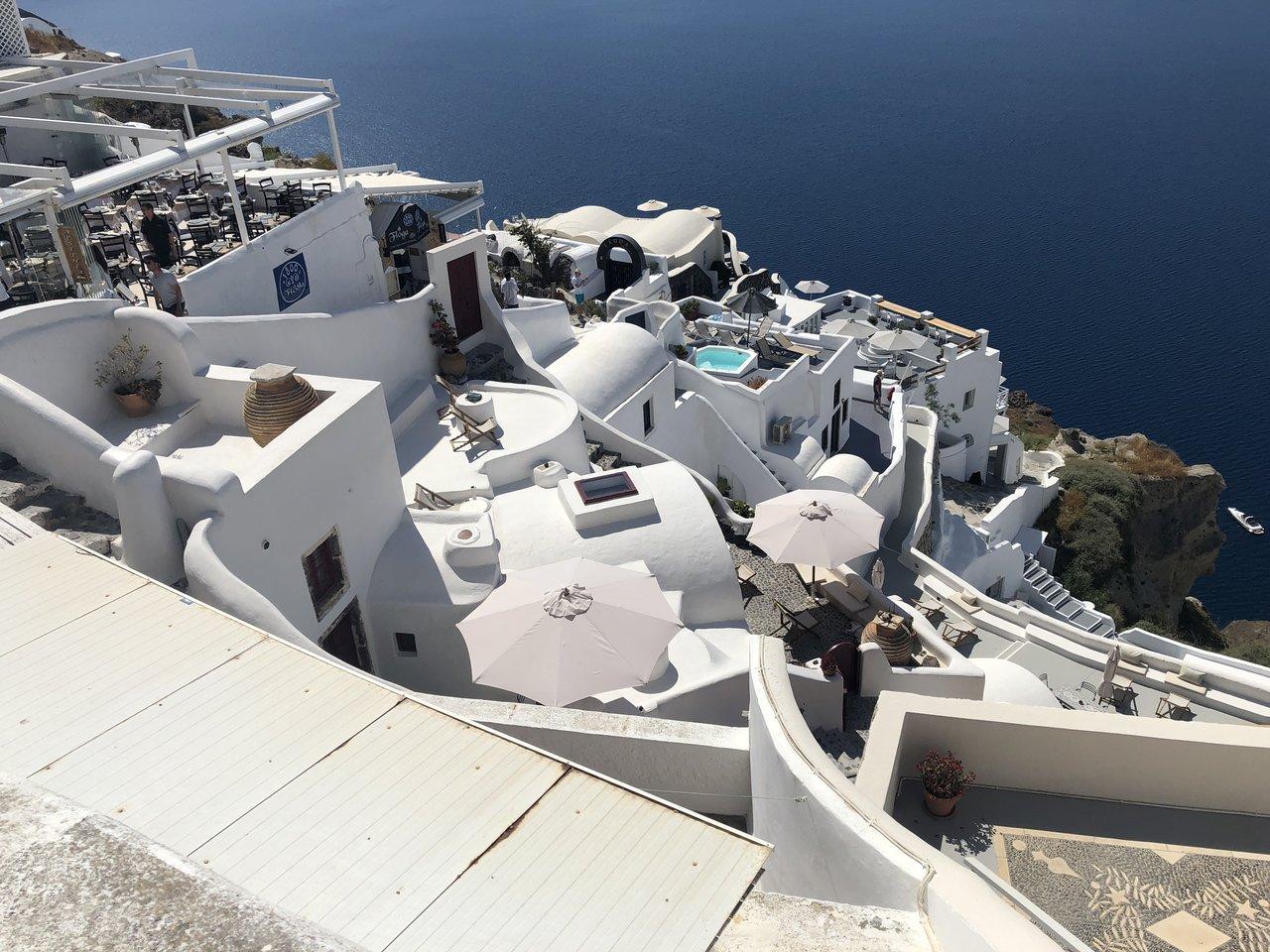 hotels on the Santorini  Hillside | Photo taken by Alexandra S