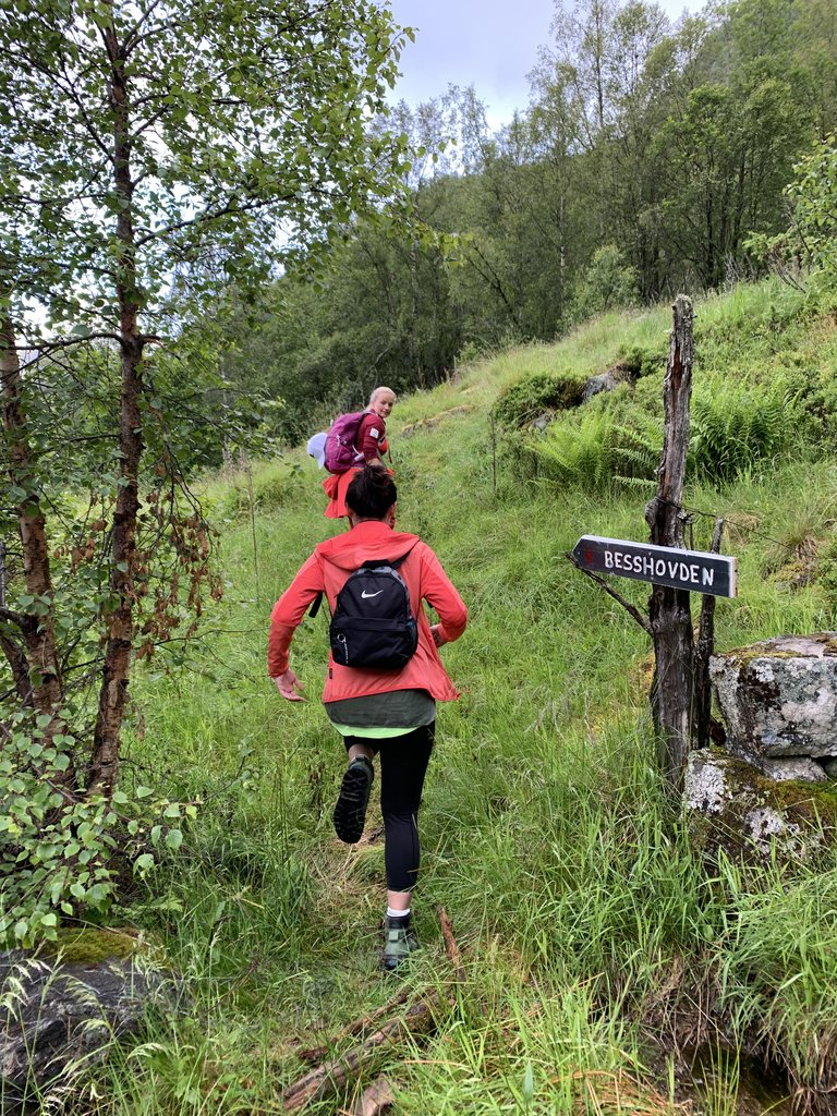Guided Hike in Mundal Valley  | Photo taken by Jessica H