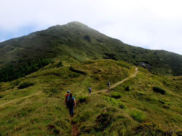 Exploring Pico da Vara