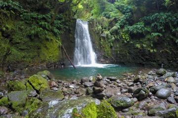 Hiking in Faial da Terra