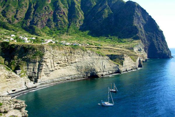 Discover the lush Salina island