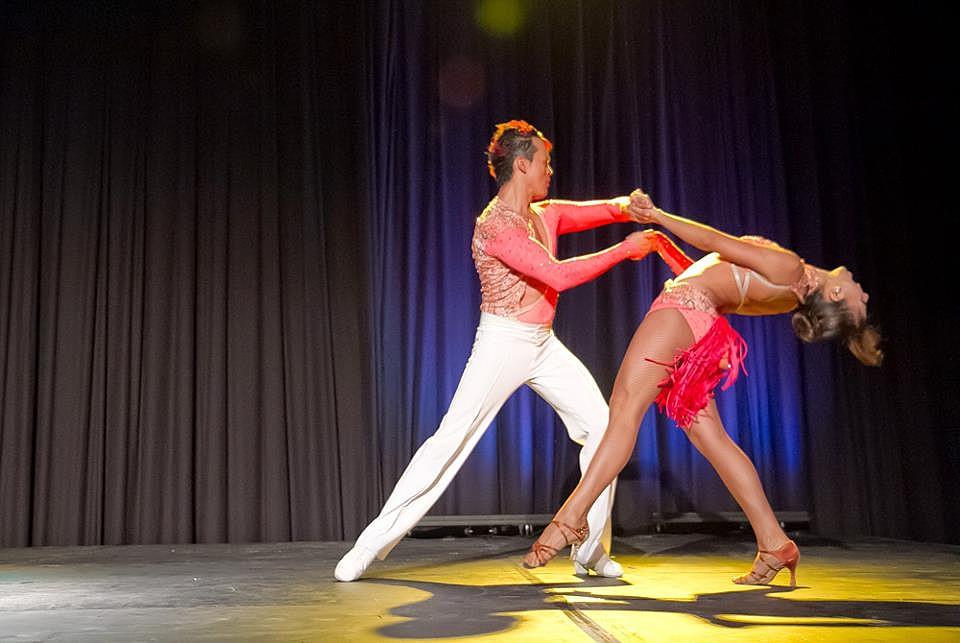 Salsa dancers, Cali