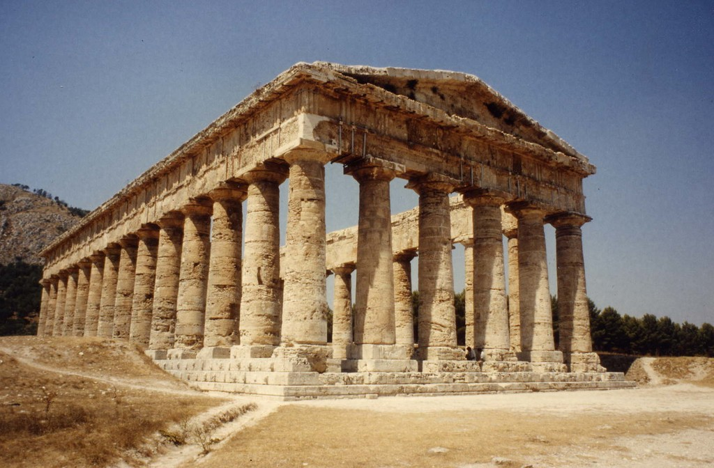 The 2400 year old Greek temple