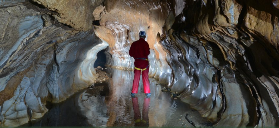 Caving at the Río Claro Nature Reserve