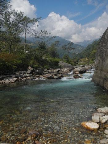Trek to Nayapul, drive to Pokhara