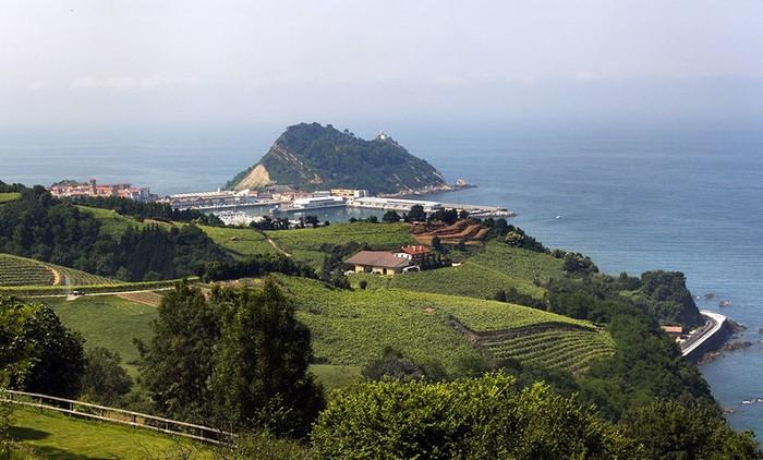 From  Getaria to San Sebastián