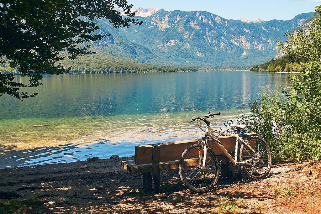 Dive into Lake Bohinj