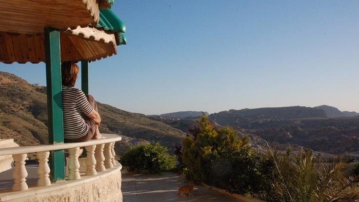 Transfer to Mount Nebo and onwards to the Wadi Araba border