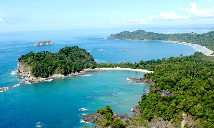 Explore the Manuel Antonio National Park