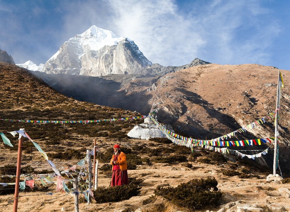 Begin your descent to Pangboche