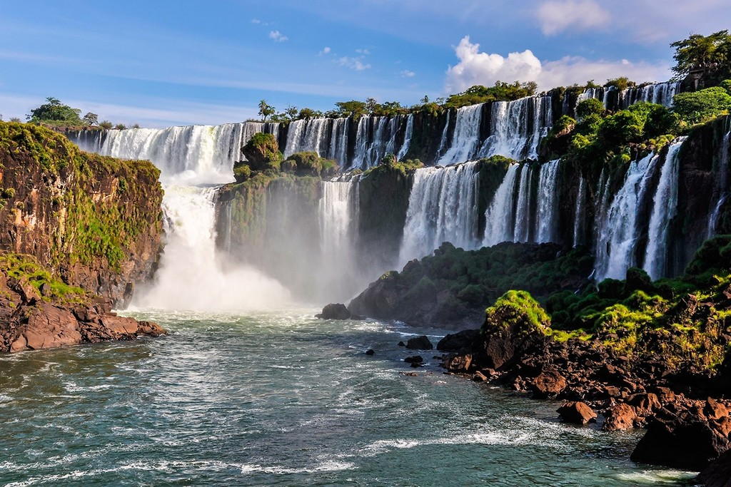 Touring Iguazú from the Argentine side