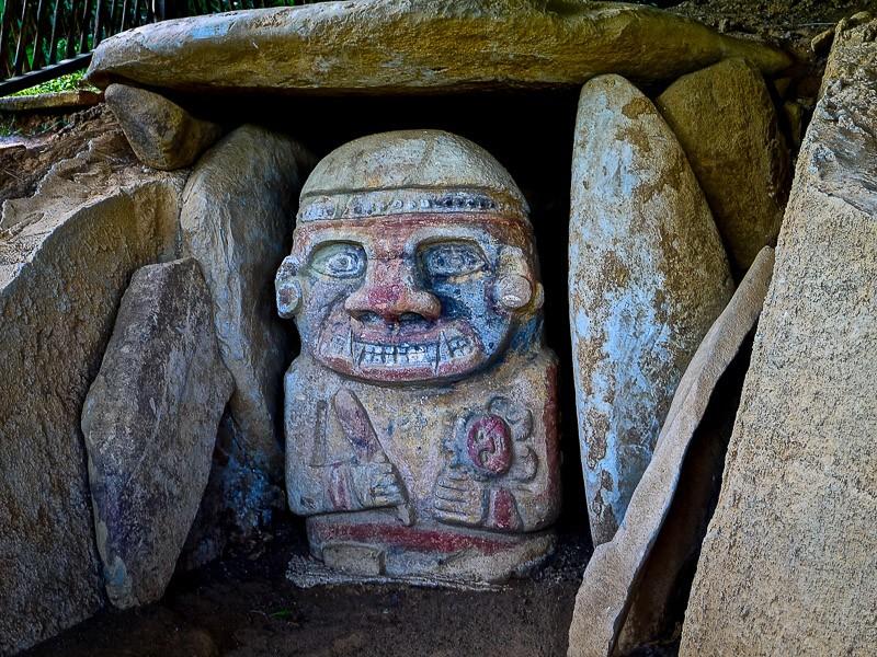 Pre-Columbian colored idol, San Agustín