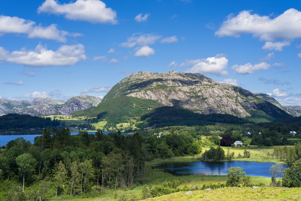 Take in breathtaking scenery in the Norwegian highlands