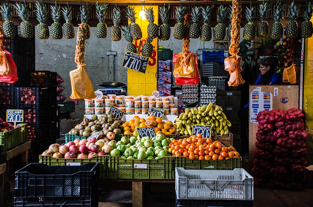 Stroll through Chile's bustling markets