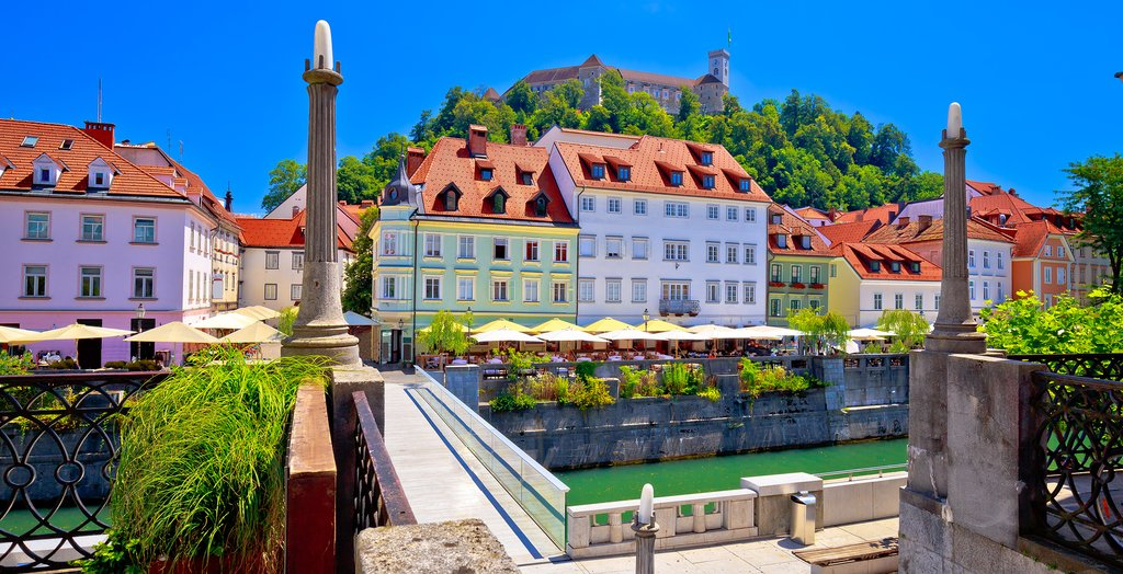 Stroll along the banks of the Ljubljanica