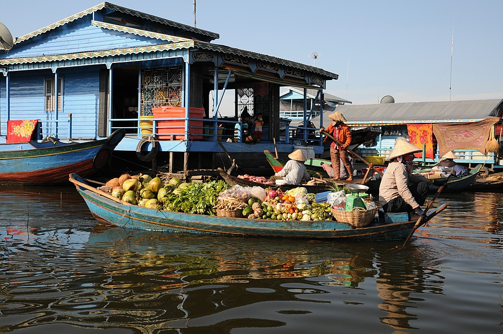 Visit floating villages on your way to Battambang