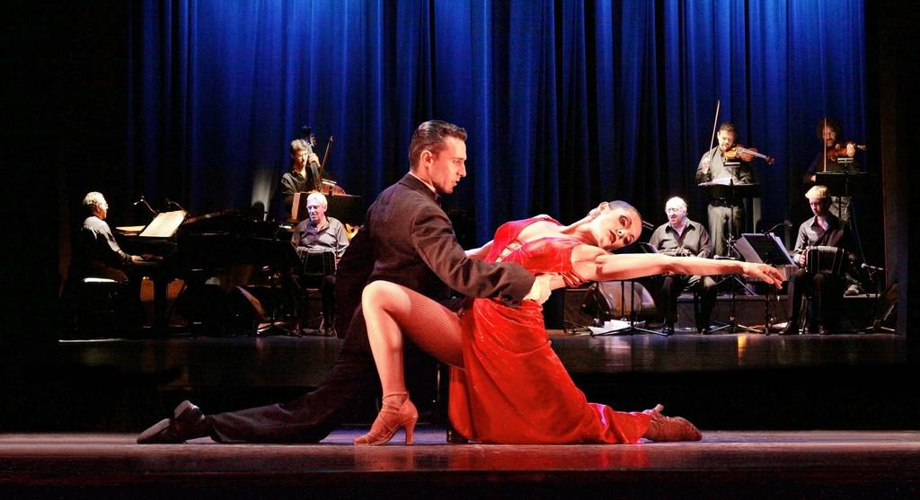 Enjoy a tango show in Buenos Aires