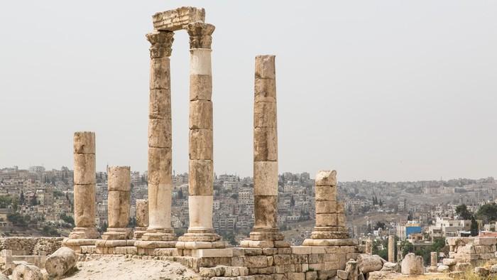 Temple of Hercules at the Citadel in Amman