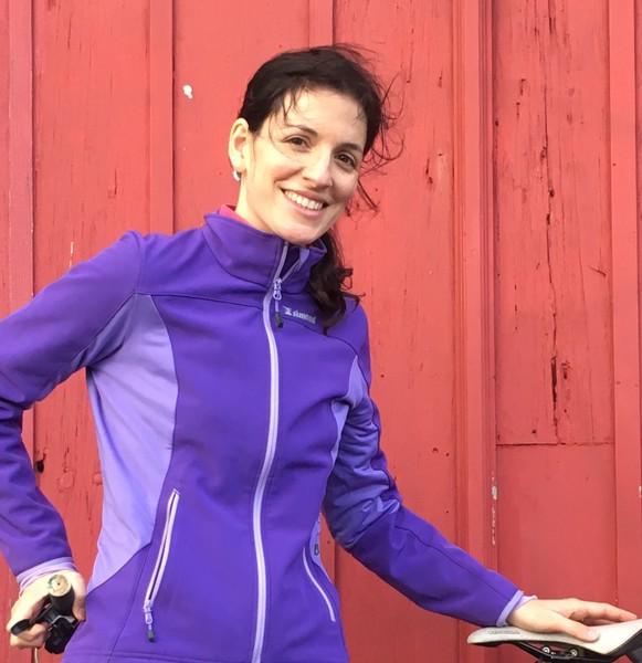 Profile photo for Isabel Oliveira