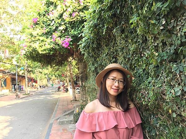 Profile photo for Huyen Huy Nguyen