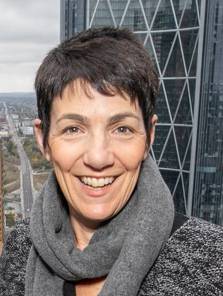 Profile photo for Carolyn B Heller