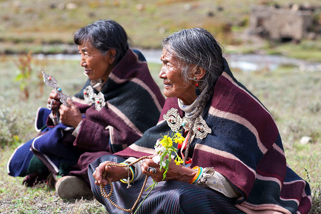 Tibetan women, Dho Tarap