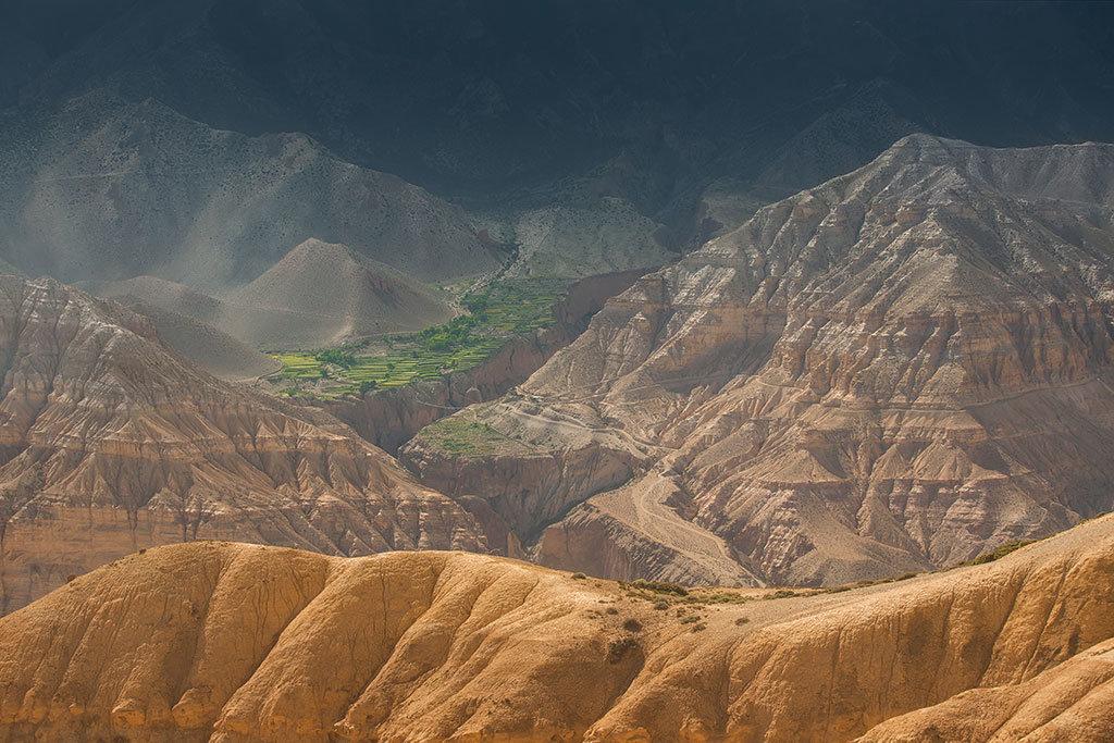 Desert hills, Upper Mustang
